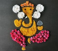 Latest Ganesh Rangoli Designs, Ideas And Pictures For 2018 Rangoli Designs of Lord Ganesha Rangoli Designs Flower, Rangoli Patterns, Rangoli Ideas, Flower Rangoli, Beautiful Rangoli Designs, Rangoli With Flowers, Flower Designs, Diwali Craft, Diwali Diy