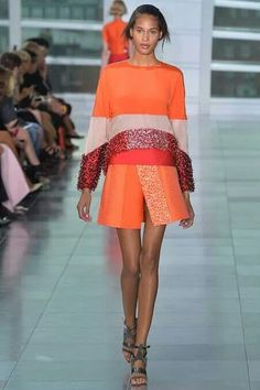 Antonio Berardi. A luxury meets chaos collection. LFW. S/s 2015. Orange. Sparkle. Red. Ideal for tan skin.