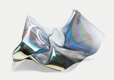 PERFECT FIT: JOHN CHAMBERLAIN REMEMBERED by Lynne Cooke and Larry Bell - artforum.com / in print