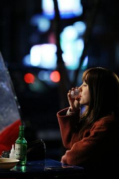 I Miss You Episode 10 Review: Yoon Eun Hye drinks at a cart bar by herself