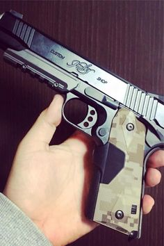 30 Awesome Kimber Pistols For Ideas On Your Next Gun - Deluxe Timber Kimber 45, Kimber 1911, Kimber Micro, 9mm Pistol, Shooting Equipment, Shooting Gear, Weapons Guns, Guns And Ammo, Firearms