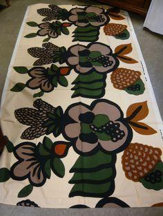 """Marimekko Finland, designer Maija Isola, """"Oona"""" Vintage fabric, c1969"""