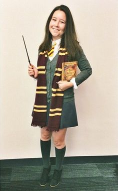 hermione granger from harry potter 46 awesome costumes. Black Bedroom Furniture Sets. Home Design Ideas
