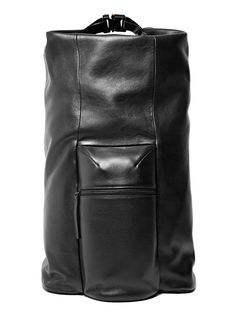 Buy men's and women's bags Campbell Cole Leather Backpack in black. Find more at LN-CC. Leather Diaper Bags, Leather Backpack, Leather Bags, Bagan, Leather Projects, Leather Design, Fashion Bags, Men's Fashion, Leather Fashion