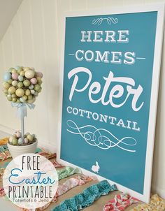 Here Comes Peter Cottontail Free Printable -- Tatertots and Jello #DIY #Easter #Printables