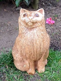 CAT-STONE-ORNAMENT-SCULPTURE-STATUE-FOR-THE-HOME-GARDEN-IN-GOLDEN-BROWN