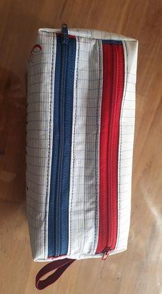 Trousse Zip-Zip à carreaux et zips colorés cousue par La Prof qui Coud - Patron Sacôtin