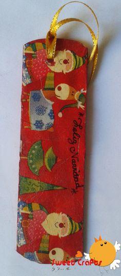 Separador de lectura navideño Santa y reno Otro modelo del diseño de Santa y reno Rudolph, ideal para que lo pongas en medio de las páginas para separar tus apuntos o tus textos. #bookmarks #reinder #santaclaus #christmas Técnica: Decoupage