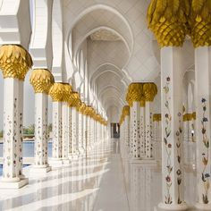 Intricate designs on the interior of the Sheikh Zayed Mosque
