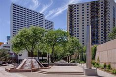 Discover deluxe amenities and skyline views in Downtown Minneapolis near the Convention Center and Target Field when you stay at Hyatt Regency Minneapolis. Minneapolis Hotels, Pet Friendly Hotels, Convention Centre, Motel, Bed And Breakfast, Regency, Minnesota, Skyline, Pets