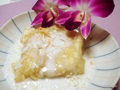 DIY Thai delight (banana roti with coconut sauce)