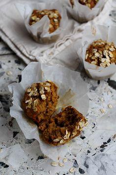 Gezonde havermout pompoenmuffins met walnoten & rozijnen
