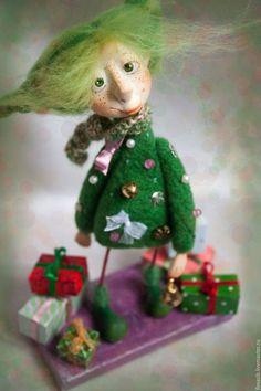 Купить или заказать Елочка в интернет-магазине на Ярмарке Мастеров. В предверии Нового года у меня всегда рождаются девочки-Елочки, они всегда разные, но очень нарядные и добрые. украсят ваш интерьер и будут хорошим подарком друзьям и…
