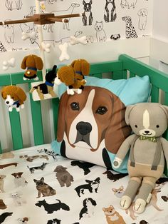 Kelly green and black and white puppy dog nursery with dog print wallpaper and art Puppy Nursery Theme, Baby Nursery Rugs, Dog Nursery, Boy Nursery Themes, Baby Boy Rooms, Baby Boy Nurseries, Nursery Ideas, Modern Nurseries, Nursery Decor