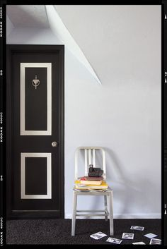 DIY- how to paint a hollow core door.  Very fun idea that looks spectacular. Maybe do this on the garage entry door?