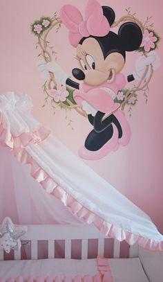 Minnie Mouse babykamer muurschildering, ook voor een meisjeskamer van een ouder kind. Gemaakt door BIM Muurschildering.  Minnie Mouse mural painting
