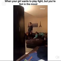 My older brother would do this to me all the time. W/or w/out provocation My older brother would do this to me all the time. Crazy Funny Memes, Funny Video Memes, Really Funny Memes, Stupid Memes, Funny Relatable Memes, Haha Funny, Funny Cute, Funny Texts, Funny Jokes