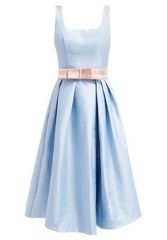 Ein Kleid für echte Mädchen. Chi Chi London MAYA - Cocktailkleid / festliches Kleid - pale blue für 89,95 € (19.04.16) versandkostenfrei bei Zalando bestellen.