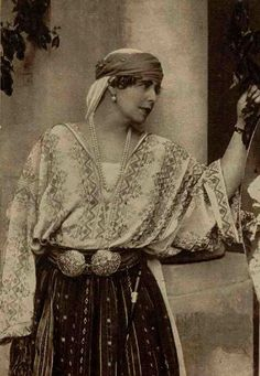 Queen Maria of Romania wearing national dress, colors are probably wrong-I have no idea which would be right. Queen of Romania History Of Romania, Folk Costume, Costumes, Romania Map, Romanian Royal Family, Romanian Women, Peles Castle, Folk Embroidery, Embroidery Designs