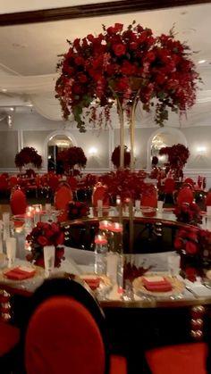 Red Wedding Centerpieces, Red Wedding Decorations, Quince Decorations, Quinceanera Decorations, Red Wedding Receptions, Chinese Party Decorations, Quince Centerpieces, Wedding Themes, Wedding Favors
