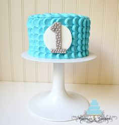 """wave"" type frosting - simple smash cake idea"