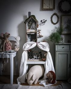 Ren, Kids Decor, Home Decor, Kidsroom, Ladder Decor, Interior, Table, Furniture, Instagram
