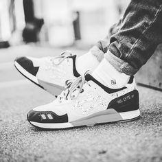 Dope combo by @sftmval Get the best socks for your sneakers! Link in Bio #socksforsneakers #socks #sockswag #sneaker #sneakers #sneakersocken #sneakersocks #kicks #kickstagram #kicksoftheday #sneakerhead #sneakerholics #sneakersaddict #kicksonfire #sneakerfreaker #walklikeus #hypebeast #instakicks #swag #instashoes #soleonfire #solecollector #bestsocksinthemotherfuckingworld #womft #sneakernews #asics #asicsgallery