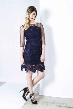 Adrianna Papell - €49 http://jurkenhuren.nl/product/kant/ Lace dress mesh