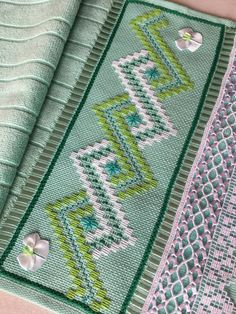 1 million+ Stunning Free Images to Use Anywhere Bargello Needlepoint, Bargello Quilts, Broderie Bargello, Bargello Patterns, Cross Stitch Embroidery, Cross Stitch Patterns, Swedish Weaving Patterns, Swedish Embroidery, Embroidery Suits Design