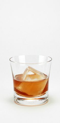Make this Classic Old-Fashioned cocktail from Jason Litrell at Death & Co. in New York City.