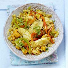 Découvrez la recette Salade de riz au poulet à l'indienne sur cuisineactuelle.fr.