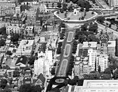 Boulevard leading to the War Memorial, Note the buildings later removed for Confederation Park on the right. Also the roundabout at Laurier Ave. Ottawa Downtown, University Of Ottawa, Photo Archive, City Life, Ontario, New York Skyline, Buildings, Landscapes, Canada