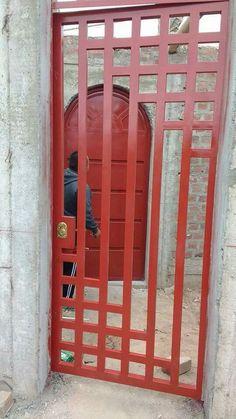 Resultado de imagen para puertas entrada principal con cristal y reja Grill Gate Design, Window Grill Design Modern, Fence Gate Design, Steel Gate Design, House Gate Design, Metal Stairs, Metal Gates, Wrought Iron Gates, Front Door Entryway