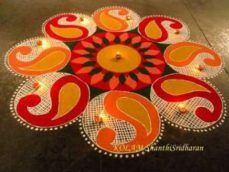 18 Gorgeous Indian Rangoli designs for Diwali Easy Rangoli Designs Diwali, Indian Rangoli Designs, Simple Rangoli Designs Images, Rangoli Designs Latest, Free Hand Rangoli Design, Small Rangoli Design, Colorful Rangoli Designs, Rangoli Ideas, Diwali Rangoli