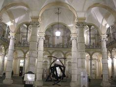 Torino: Palazzo dell'Università, cortile di notte
