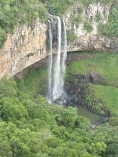Não tive coragem de descer a escadaria rsrsrsrs... Cascata do CARACOL em Gramado - Brasil.