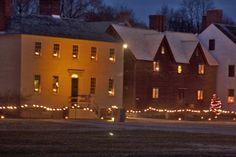 Candlelight Stroll at Strawbery Banke