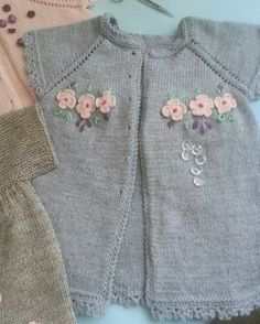 Baby Vest, Baby Cardigan, Knitting For Kids, Baby Knitting Patterns, Crochet Baby, Knit Crochet, Butterfly Fairy, Crewel Embroidery, Knit Fashion