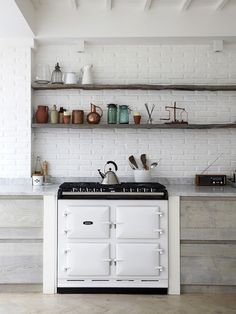 I love these kitchen shelfs