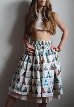 Купить или заказать Хлопковая юбка с рисунком 'вигвамы' в интернет-магазине на Ярмарке Мастеров. Хлопковая юбка на резинке из ткани с рисунком 'вигвамы' Подъюбник из хлопкового штапеля, пришит к поясу юбки.