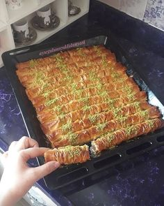 10 thousand people recorded by my wonderful recipe again with those who want to describe the Dm . 10 thousand people recorded by my wonderful recipe again with those who want to describe the Dm . Cookbook Recipes, Pie Recipes, Sweet Recipes, Dessert Recipes, Cooking Recipes, Cooking Food, Arabic Sweets, Arabic Food, Turkish Recipes
