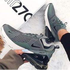 Nike Air Max 270 - Clay Green / Deep Jungle - Nelli_Sherry - - Nike Air Max 270 – Clay Green / Deep Jungle Nike Air Max 270 Green - super sporty sneaker for women! But you can also combine the s shoes sneakers nike Zapatillas Nike Jordan, Tenis Nike Air, Nike Air Shoes, Moda Sneakers, Sneakers Mode, Sneakers Fashion, Green Sneakers, Yeezy Sneakers, Nike Sneakers