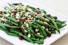 Vous cherchez une nouvelle façon d'apprêter vos haricots verts? Voici une recette où les saveurs de canneberges sucrées, de noix et de féta se marient à merveille.