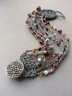 Bead Crochet Cuff Bracelet Gray Cranberry di TamiLopezDesigns