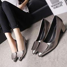 f3bc1cb5 Zapatillas de estilo simple de moda Zapatos, Estilo, Moda, Mujeres De Ropas  De