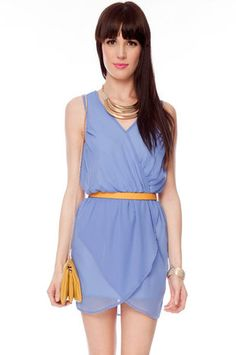 Periwinkle dress with yellow skinny belt and yellow bag.  Cute color combo.
