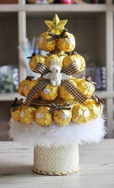 Haz un arbolito navideño con chocolates