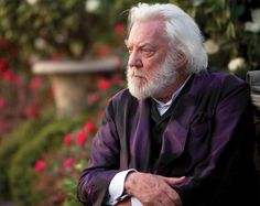 Donald Sutherland as President Snow, The Hunger Games: Catching Fire, 2013 Presidente Snow, Donald Sutherland, Hunger Games Memes, Hunger Games Trilogy, Books Vs Movies, Big Books, Read Books, Beard Look, Hunger Games Catching Fire