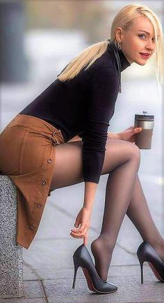 Women With Beautiful Legs, Lovely Legs, Great Legs, Women Legs, Sexy Women, Foto Top, Looks Pinterest, Tumbrl Girls, Sexy Legs And Heels