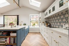Bespoke kitchens expertly crafted, designed and handmade in Kent from Herringbone Kitchens. Visit our kitchen studio in Canterbury. Studio Kitchen, New Kitchen, Kitchen Design, Kitchen Ideas, Green Kitchen, Kitchen Redo, Kitchen Stuff, Kitchen Splashback Tiles, Kitchen Flooring